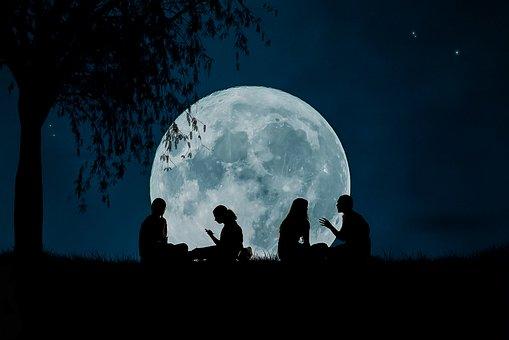 moon-2776955__340
