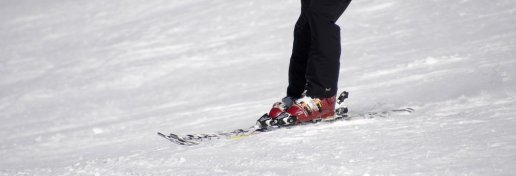 skiing-2087119__340
