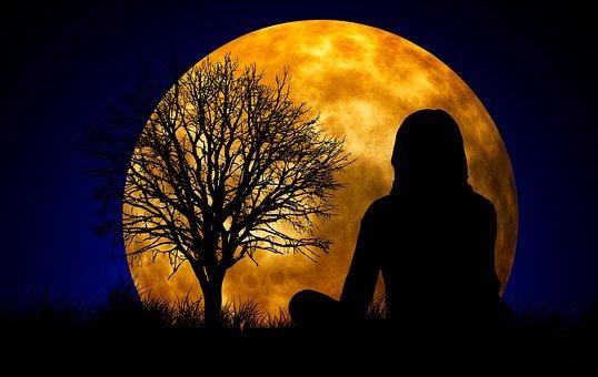 moon-1815984__340