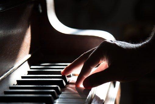 piano-801707__340